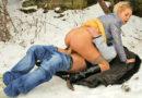 Seks u prirodi na snijegu