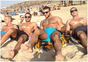 momci na plaži