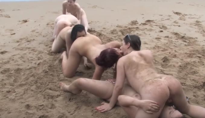 Seks na orgijama na plaži