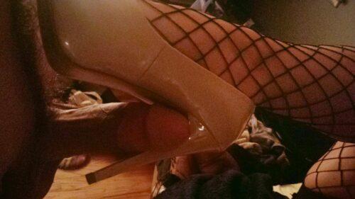 štikla i mrežaste čarape